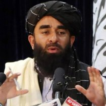 Kumaa ahaa Afhayeenka Taliban ee mudada 20-ka sana ah ku dhax shaqeynayay caloosha cadowgiisa? [Warbixin].