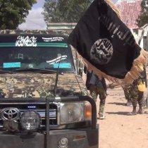 Al-Shabaab oo soo bandhigay hubkii iyo gaadiidkii ay ku qabsadeen weerarkii deegaanka Cammaara [Sawirro].