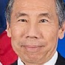 DONALD YAMAMOTO MA XAAKIN (GOVERNOR) BAA MISE WAA SAFIIR (AMBASSADOR).